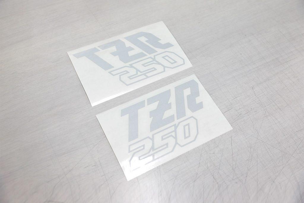 TZRロゴステッカー